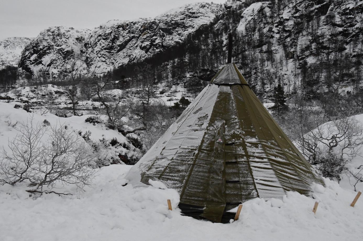 Et bilde som inneholder snø, utendørs, gå på ski, dekket  Automatisk generert beskrivelse