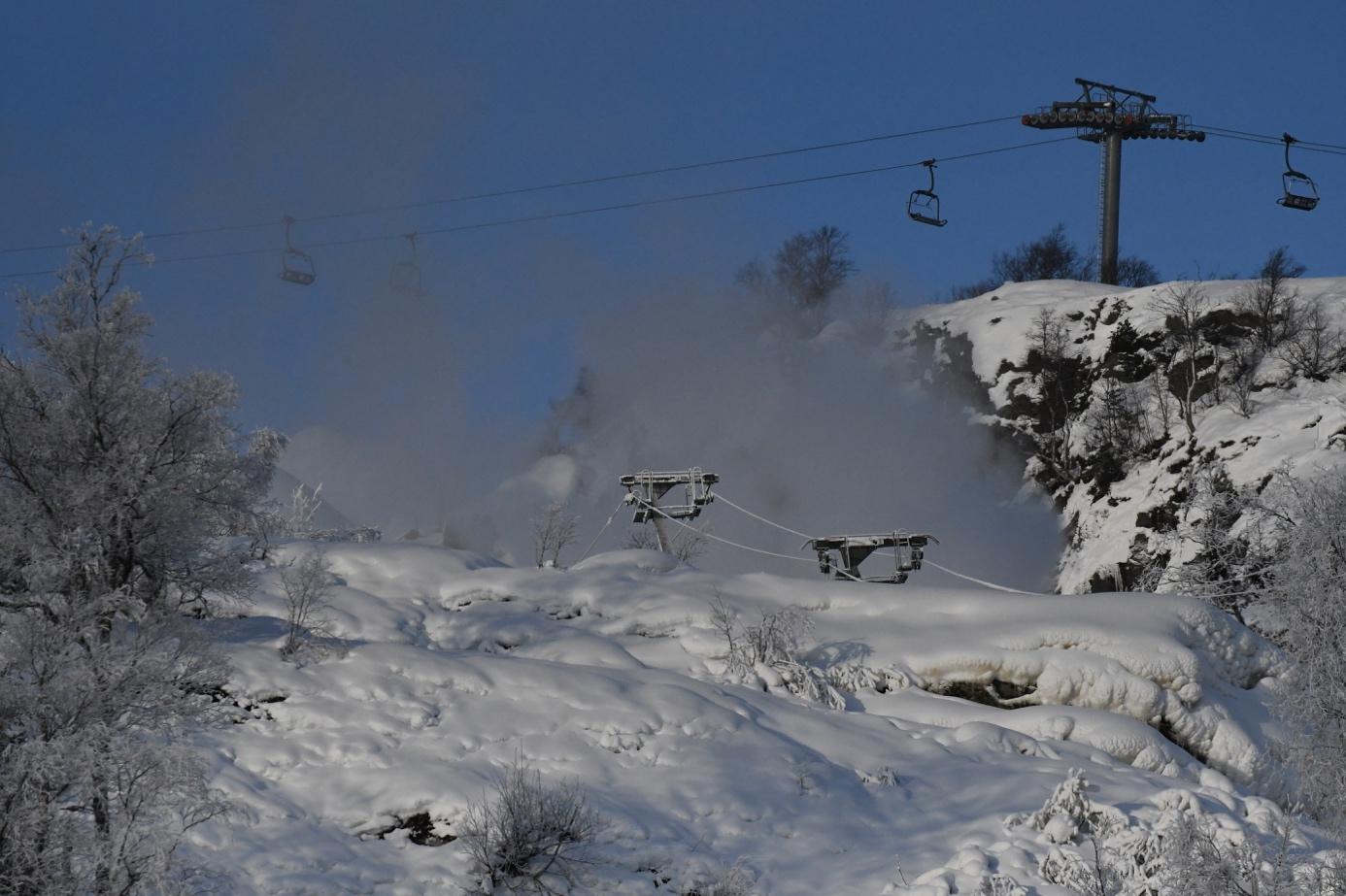 Et bilde som inneholder snø, utendørs, himmel, gå på ski  Automatisk generert beskrivelse