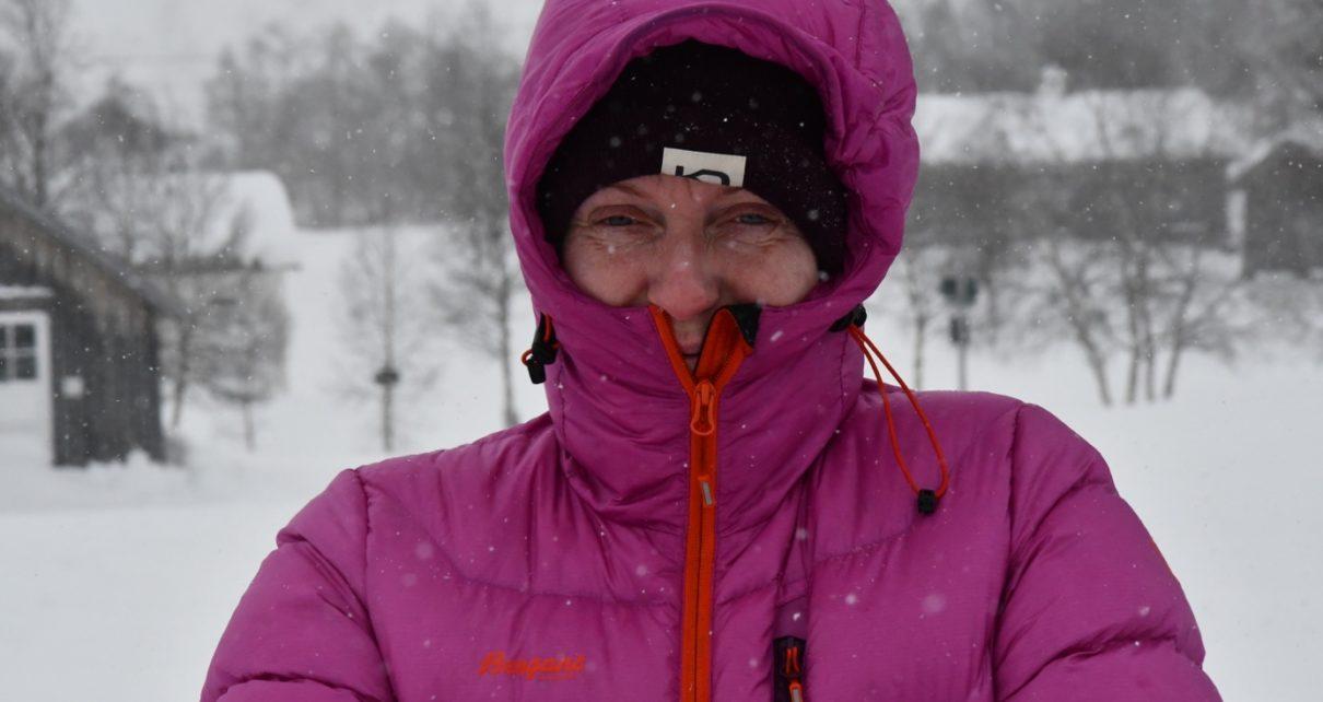 Et bilde som inneholder person, utendørs, tre, snø Automatisk generert beskrivelse