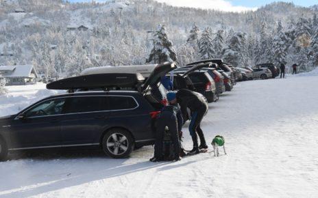 Et bilde som inneholder snø, utendørs, himmel, fjell Automatisk generert beskrivelse