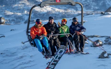 Et bilde som inneholder utendørs, snø, skiheis, fjell Automatisk generert beskrivelse