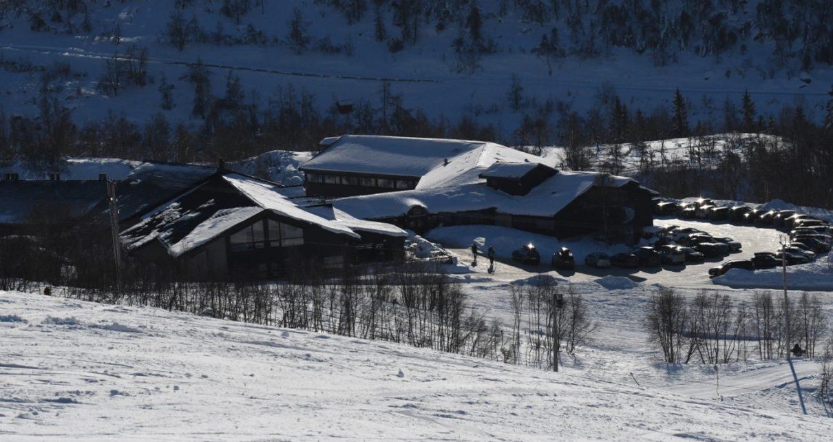 Et bilde som inneholder snø, utendørs, dekket, transport Automatisk generert beskrivelse