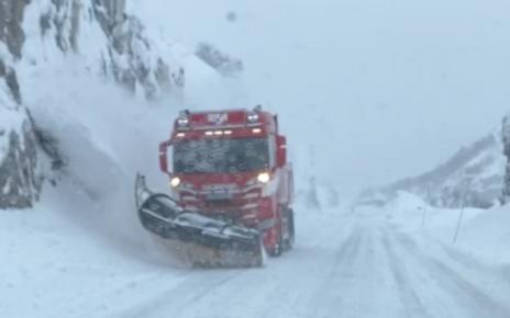 Et bilde som inneholder snø, utendørs, gå på ski, natur Automatisk generert beskrivelse