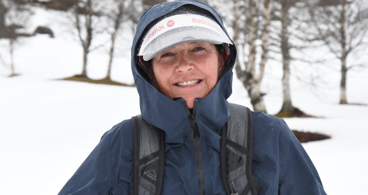 Et bilde som inneholder tre, utendørs, person, snø Automatisk generert beskrivelse