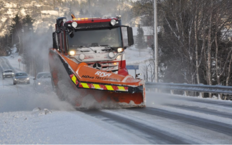 Et bilde som inneholder utendørs, snø, tre, bilvei Automatisk generert beskrivelse