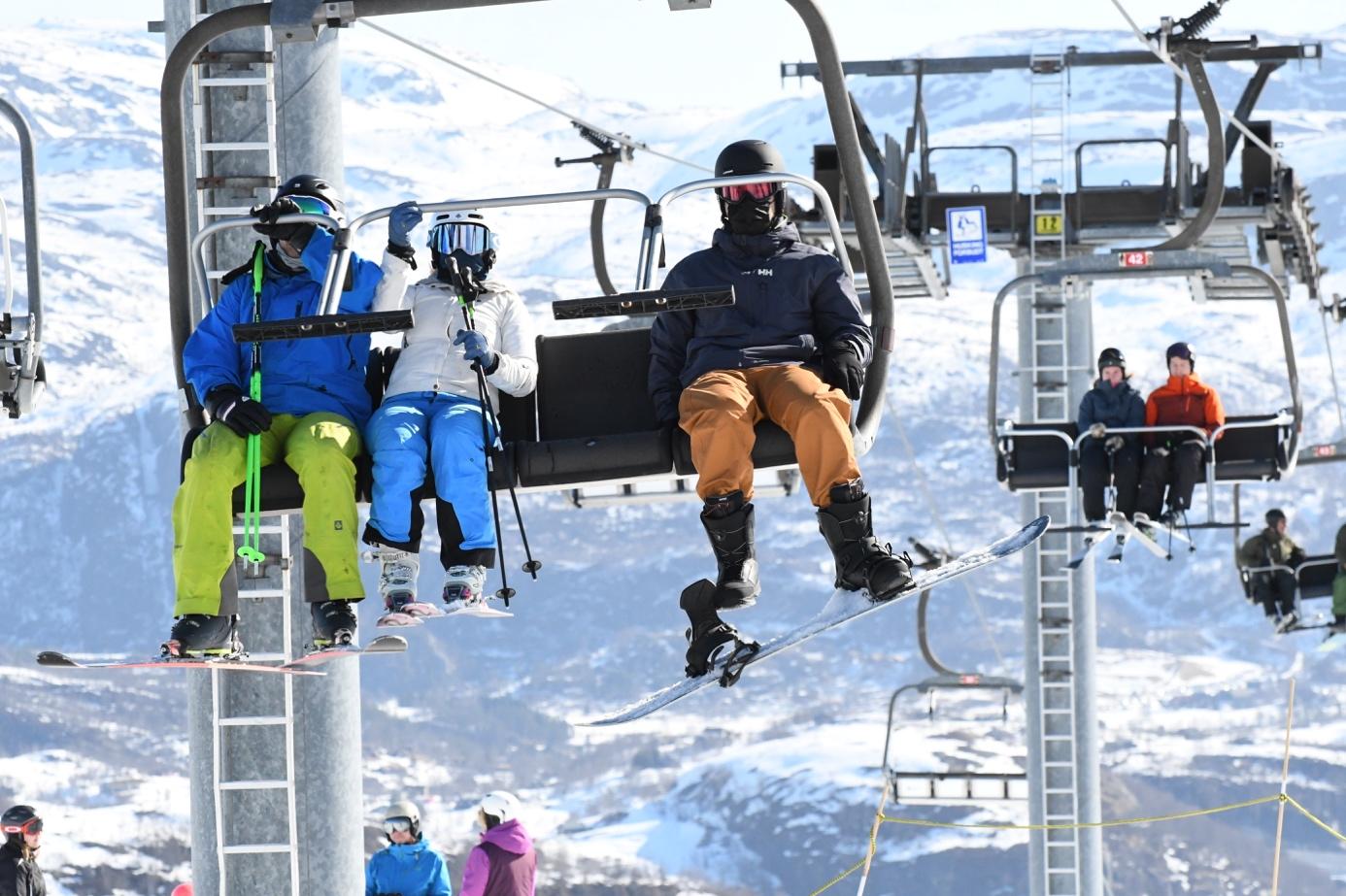 Et bilde som inneholder skiheis, snø, utendørs, transport  Automatisk generert beskrivelse