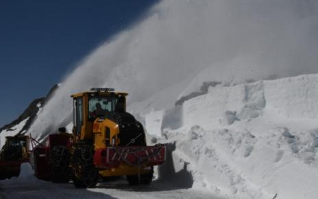 Et bilde som inneholder snø, utendørs, dekket, natur Automatisk generert beskrivelse