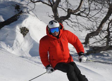 Et bilde som inneholder utendørs, snø, tre, person Automatisk generert beskrivelse